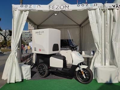 El vehículo eléctrico de tres ruedas eezon se presentó al público nacional en la VEM2021