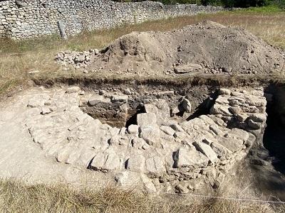 La excavación de la Xunta en el yacimiento de Proendos saca a la luz un hórreo romano único en Galicia