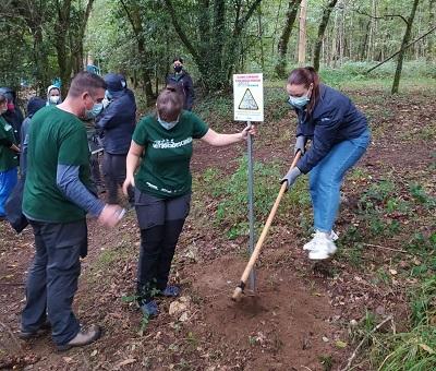 La Xunta pone en valor el trabajo realizado por la asociación Amabul en el cuidado medioambiental de la comarca del Ulla