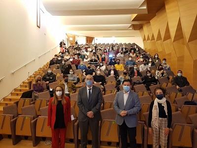 Emigración y la UVigo dan la bienvenida a los nuevos alumnos de las bolsas Beme que estudiarán un máster en los campus de Vigo y Pontevedra