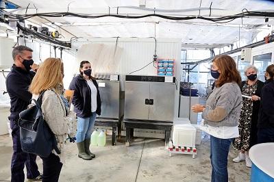 La Xunta apoya la formación de cuatro titulados en ciclos de acuicultura para facilitar su entrada al mercado laboral