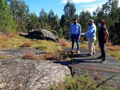 La Xunta acondiciona dos estaciones rupestres de petroglifos en Campo Lameiro con las ayudas de la orden de infraestructuras turísticas para ayuntamientos rurales